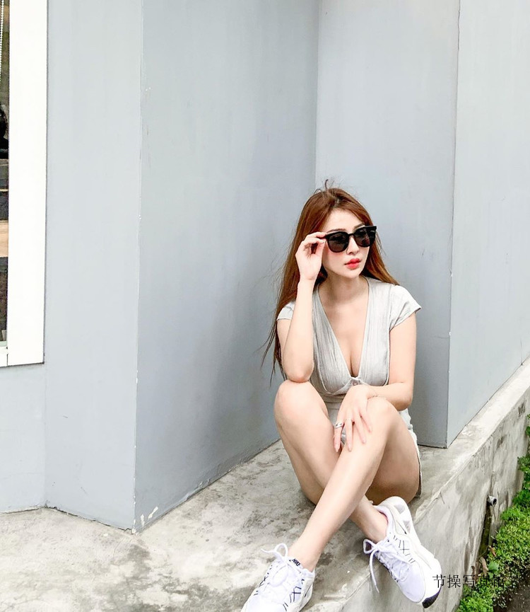 韩智恩Nancy腰瘦奶大太逆天,送上其个人性感图片