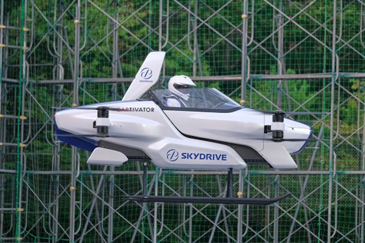 SkyDrive展示了其首款飞行汽车试飞