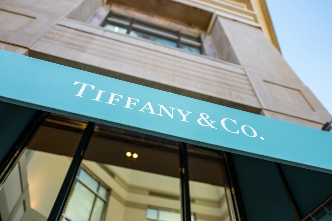 LVMH取消收购后,Tiffany&Co.提起诉讼
