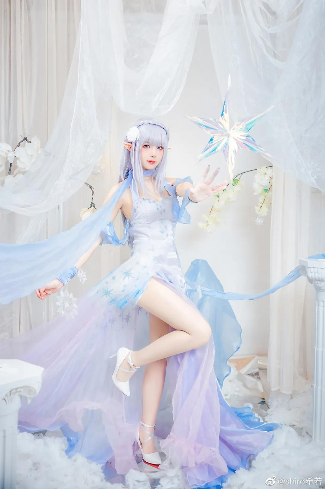 shiro希若爱蜜莉雅COS写真,穿着水晶礼服的公主殿下