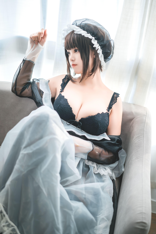 蜜汁猫裘透明女仆写真,甜美性感的女仆值得拥有