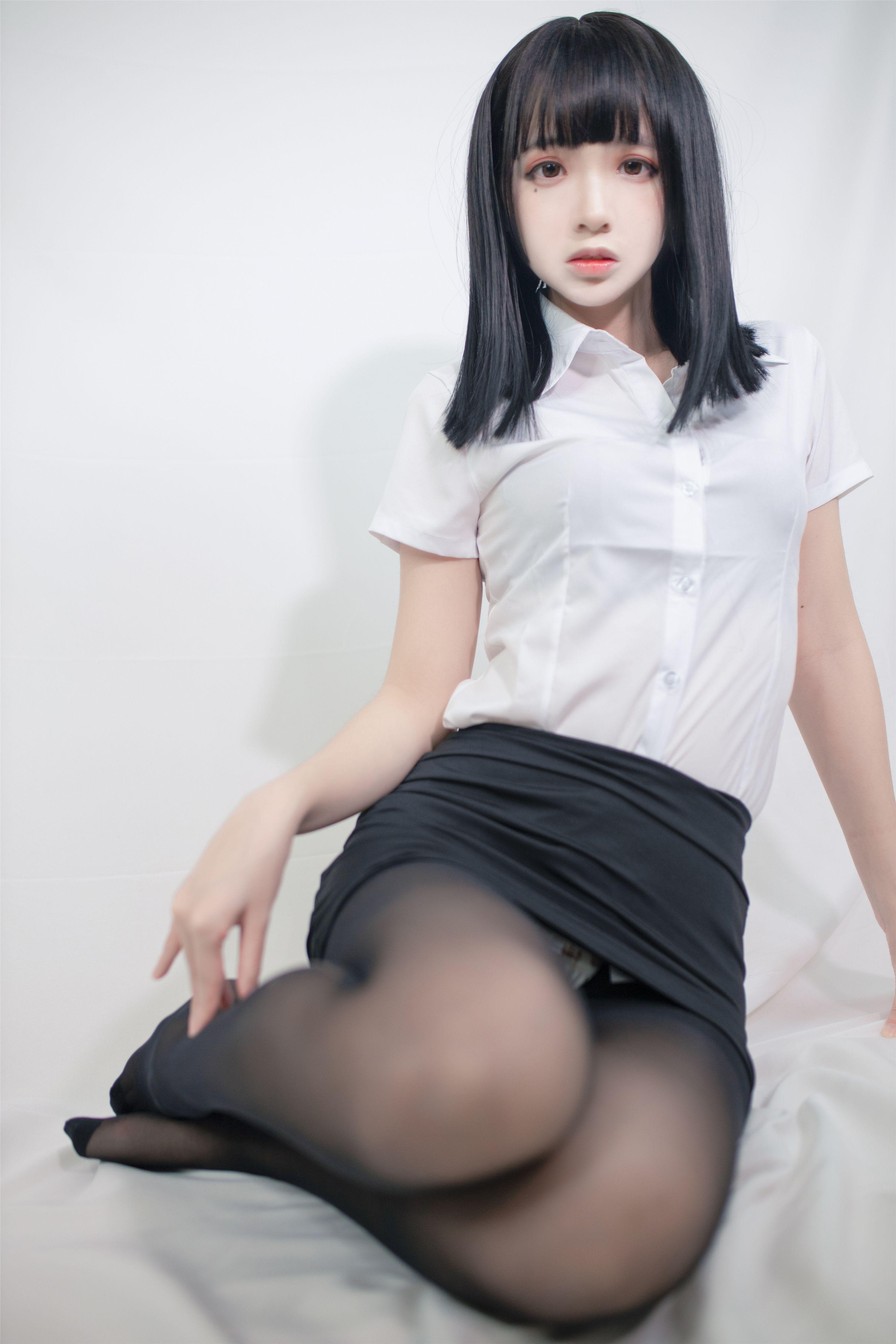 疯猫SS最新OL写真,贴身秘书开始办公
