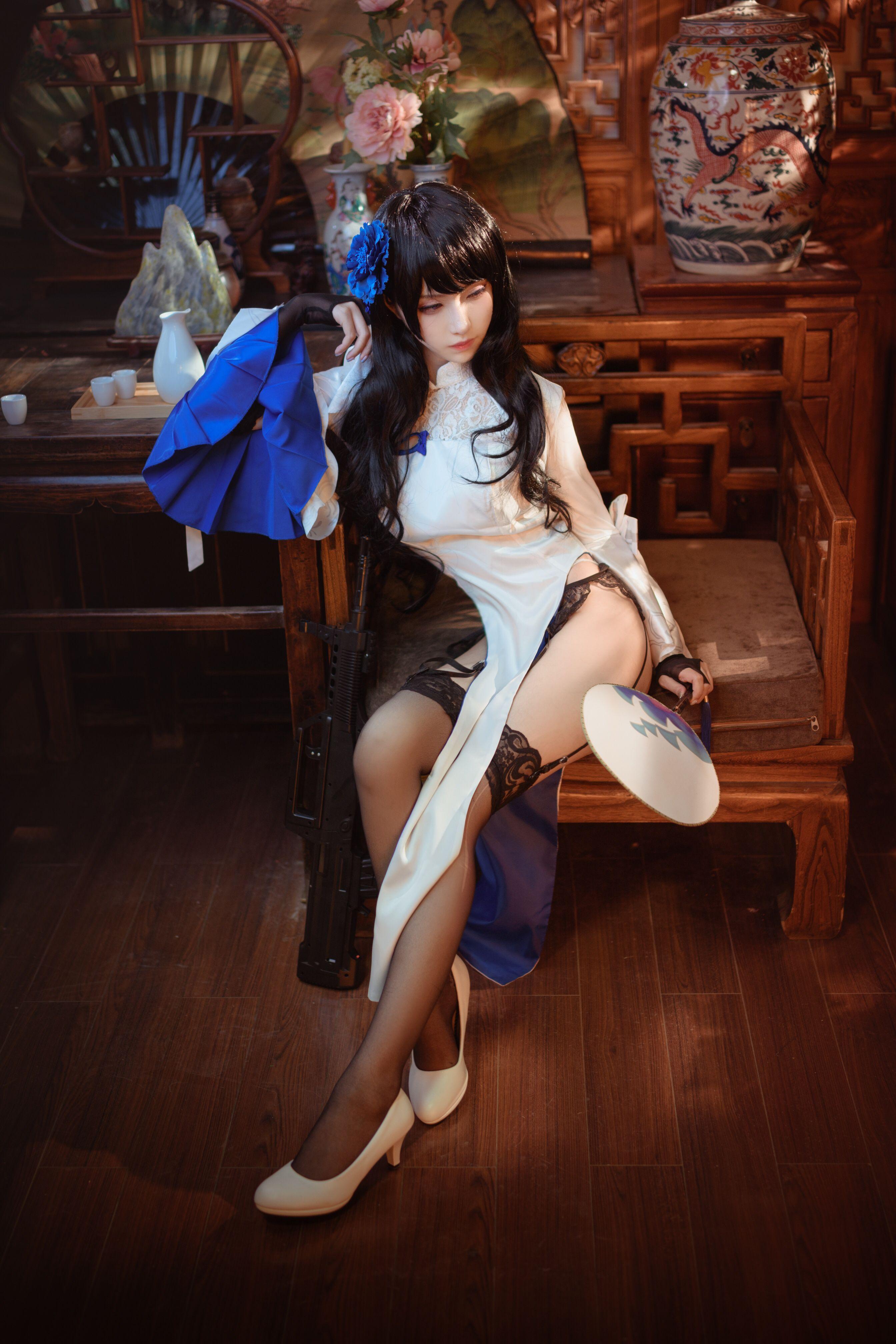 Shika小鹿鹿玉玲珑写真,旗袍下的美丽