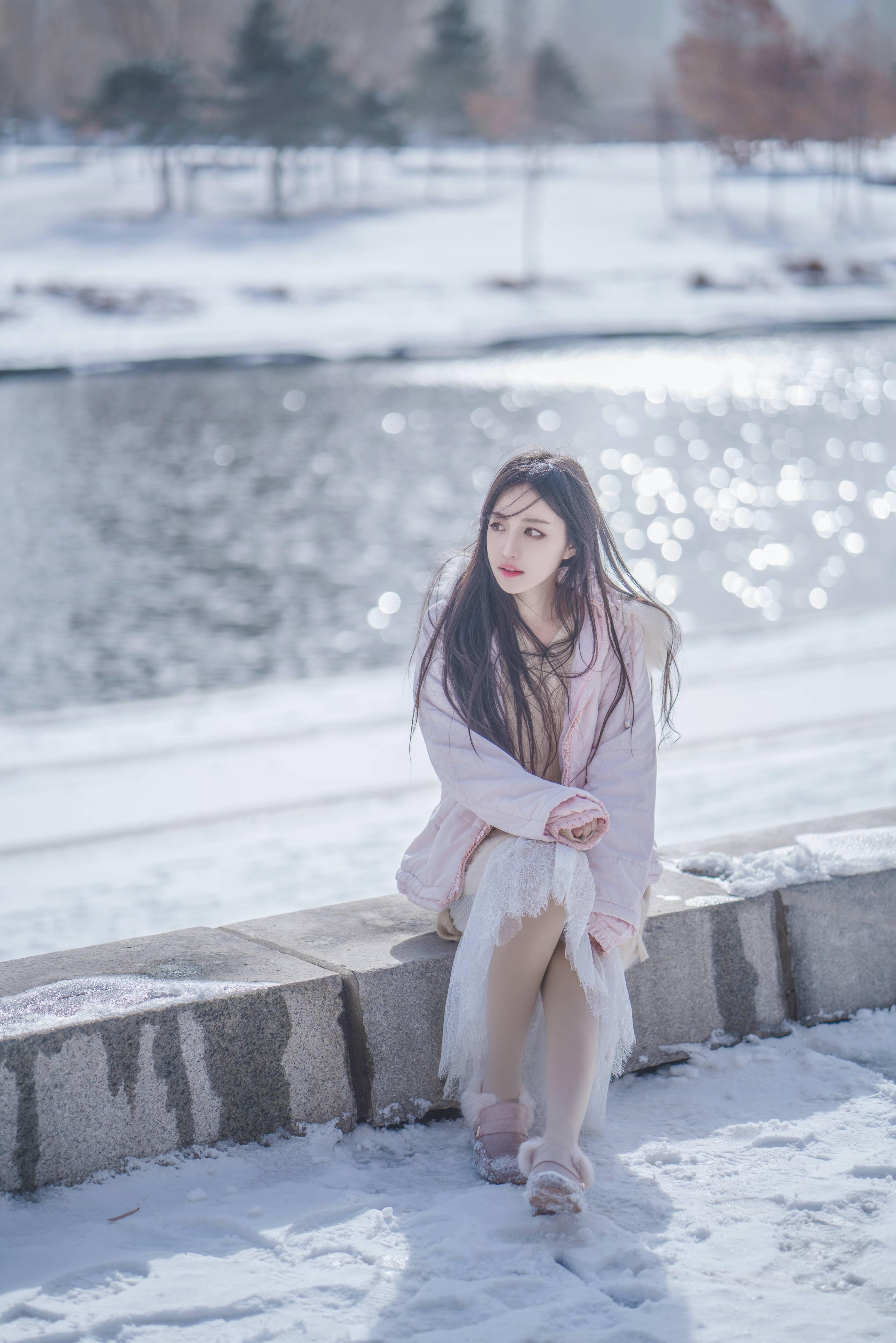 Shika小鹿鹿雪景写真,冬日里令你动容的精灵少女