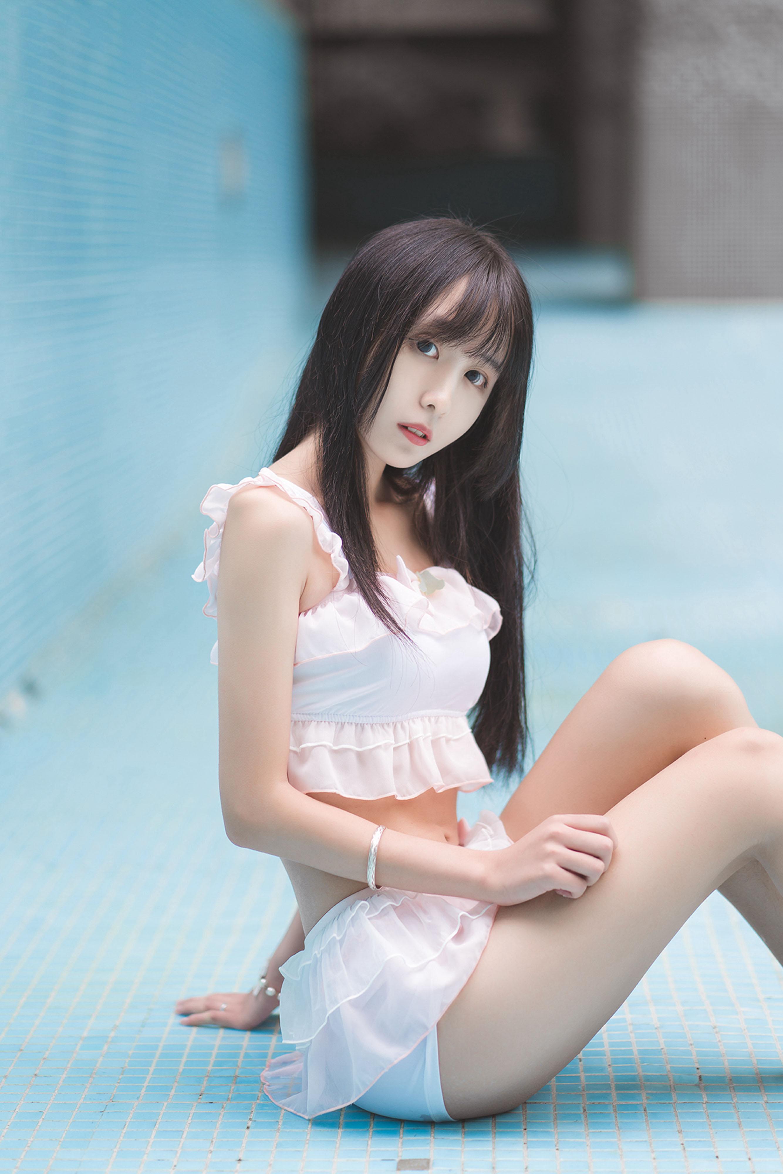 风之领域露脸系列写真NO.89,泳池美少女